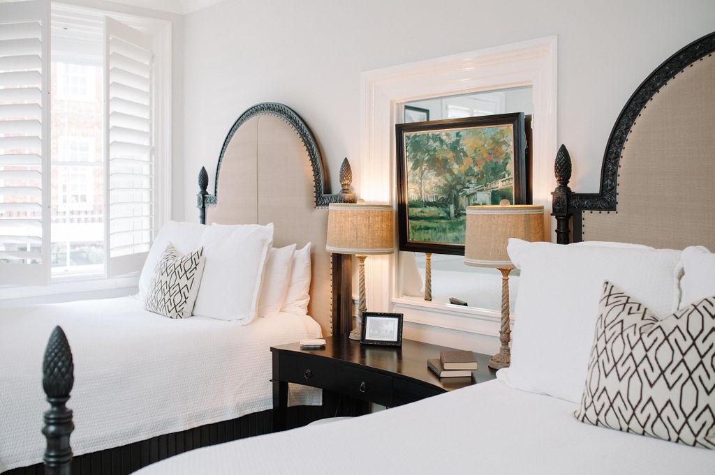 Room 1 bedroom with two queen beds