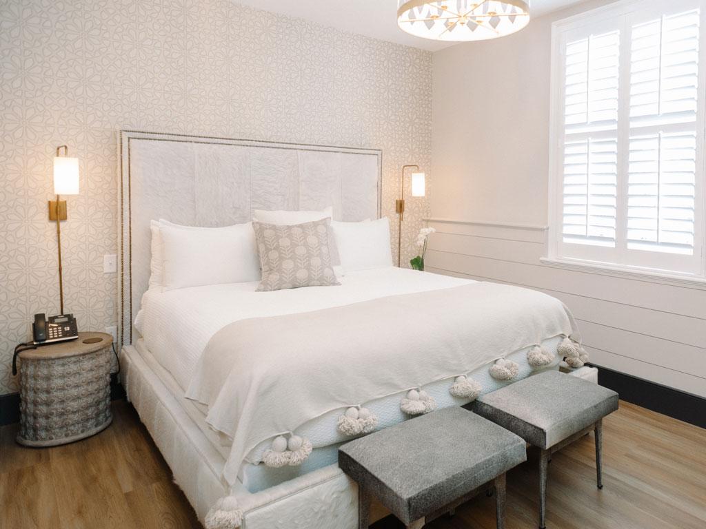 Room 19 Bed